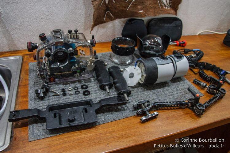 Mon caisson Ikelite, le flash et les hublots pour emmener le Canon Eos 7D sous l'eau... Oui, ça fait pas mal de bazar à transporter !!!