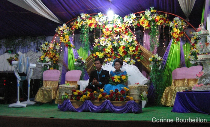 "Les mariés ""bleus"". (Derawan, Bornéo, Indonésie, juillet 2009.)"