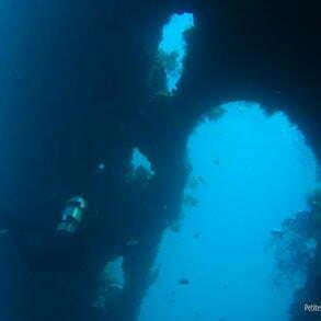 Le gouvernail, énorme ! (Liberty Wreck, Tulamben, Bali, Indonésie, juillet 2008)