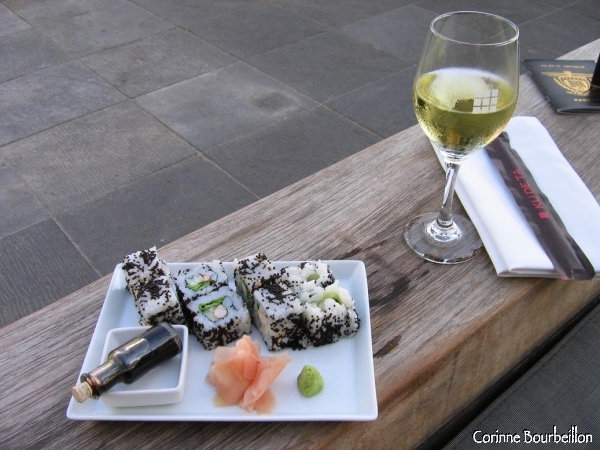 To console me for the end of the stay, I offer sushi and a glass of Chardonnay to the very chic Ku De Ta. (Seminyak, Bali)