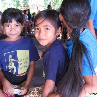 Smile radiant little dancers Reef Seen. Pemuteran, Bali. July 2008.