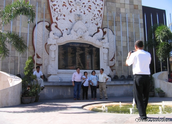 In front of the monument to the dead of the attacks of 2002. (Kuta, Bali)