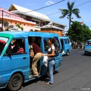 Les mikrolets de Manado. Sulawesi, Indonésie.