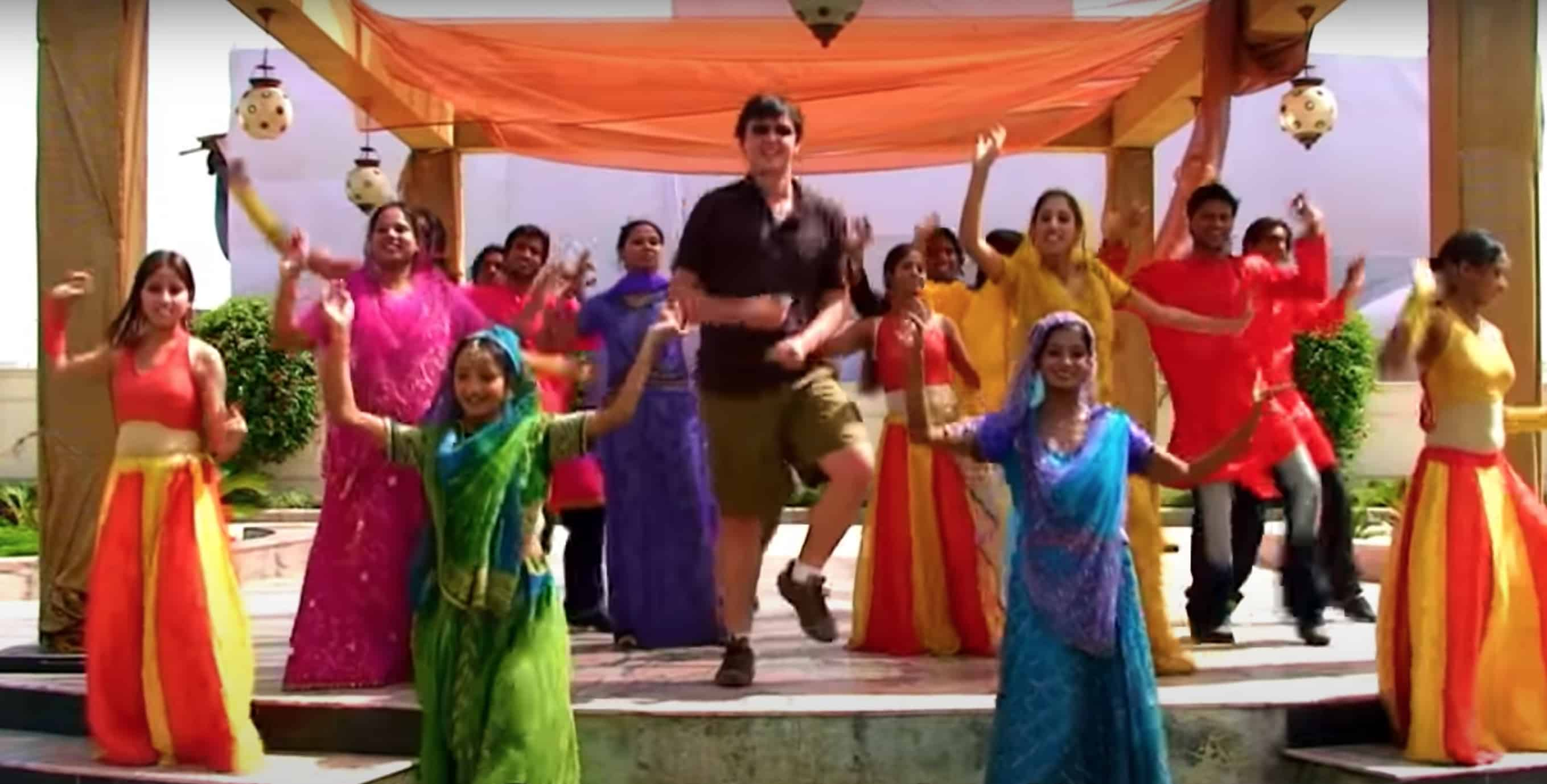 Matt Harding dancing