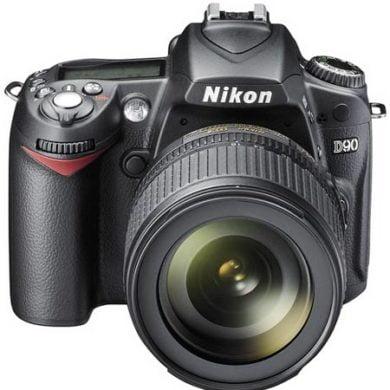 Nikon D90. Le premier appareil-photo numérique reflex qui fait aussi de la vidéo.