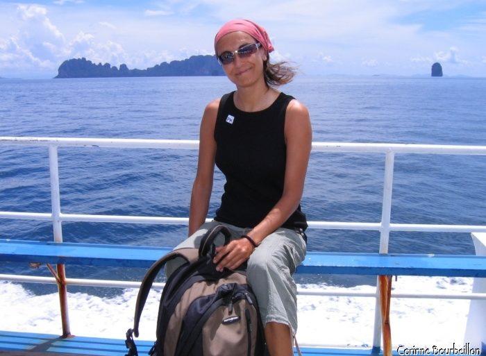 Sur le ferry du retour vers Phuket... Je laisse à regret Koh Lipe derrière moi.