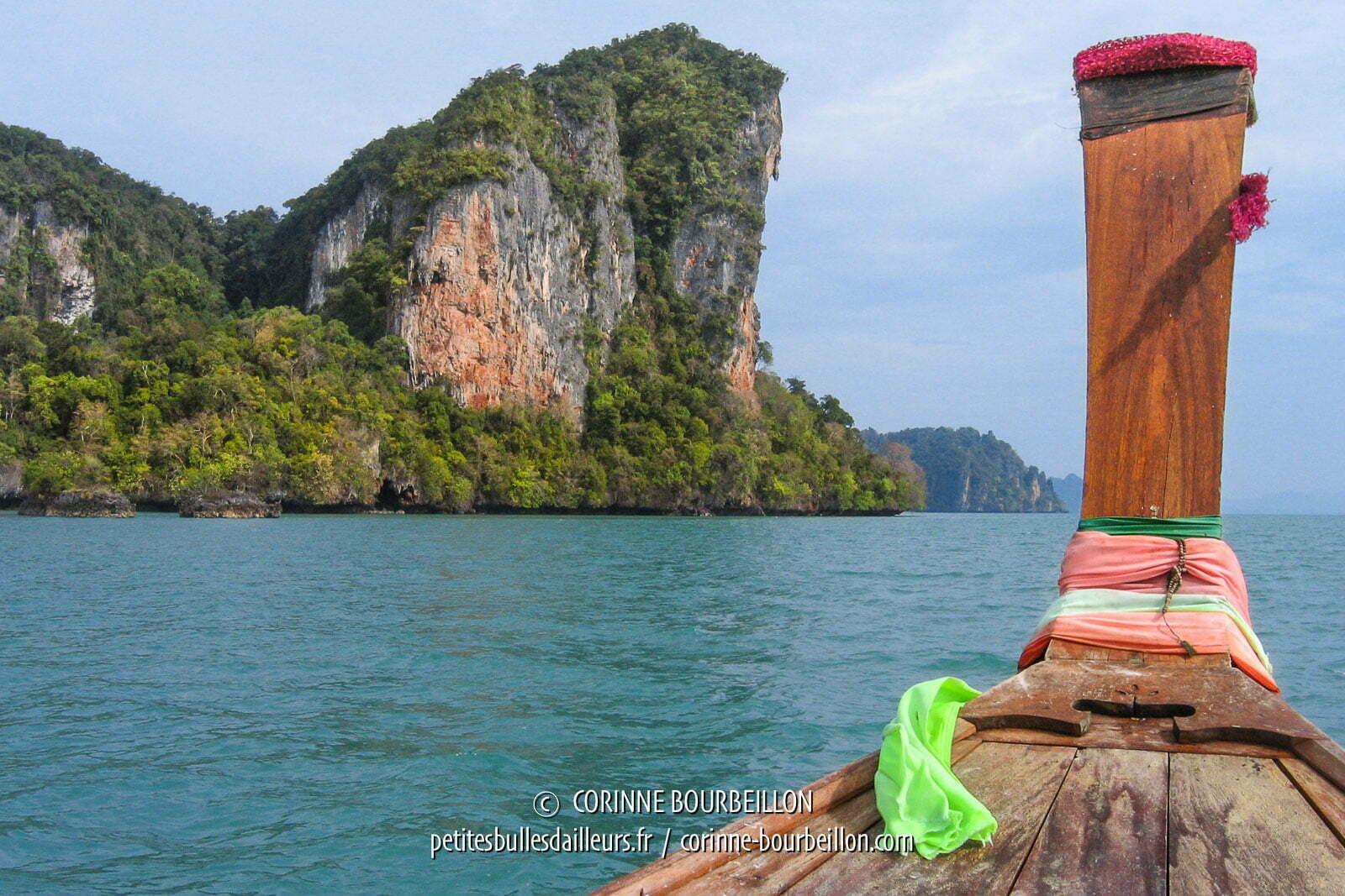 Balade dans la baie de Phang Nga. Thaïlande, février 2009.