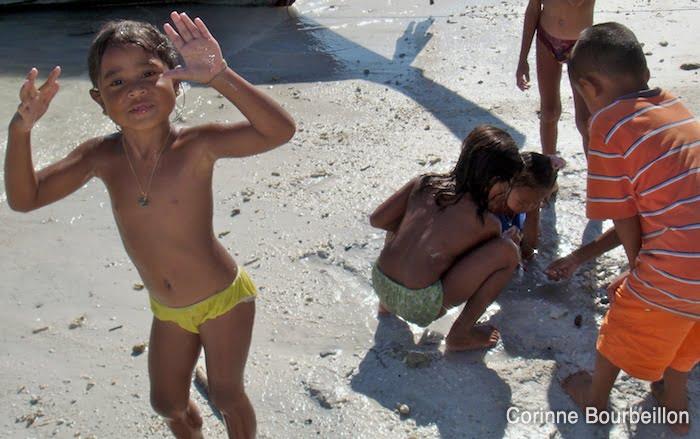 Les enfants de Koh Lipe. Thaïlande, février 2009.