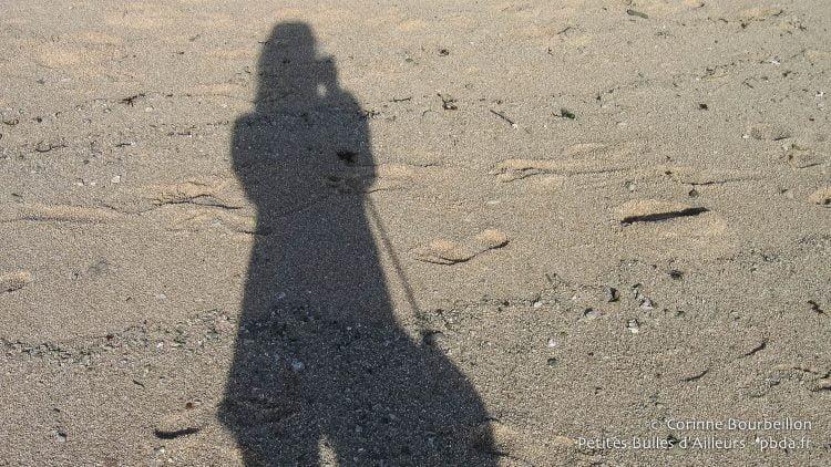 Mon ombre sur le sable, à Nusa Lembongan. Bali, Indonésie, juillet 2008.