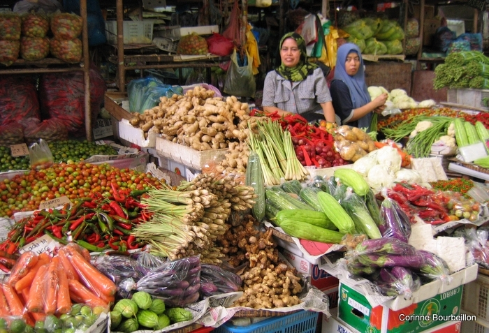 The big market of Tawau (Borneo, Malaysia, July 2009).