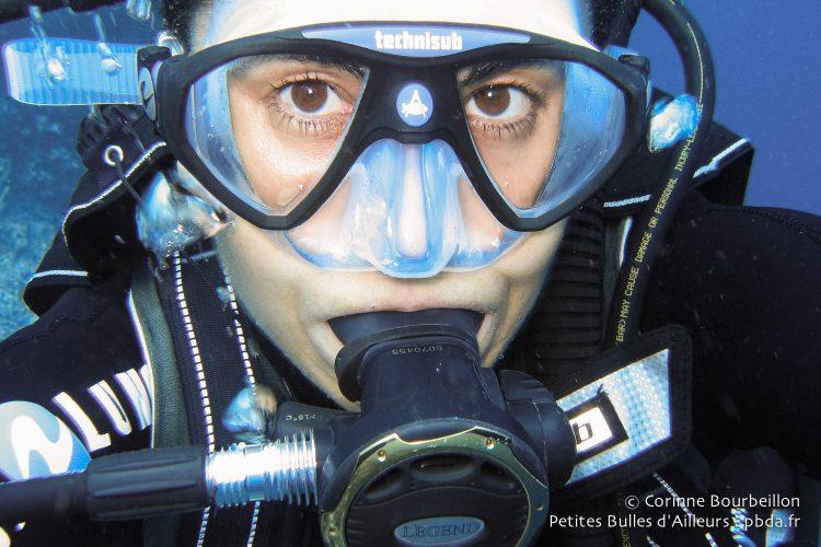 Selfie underwater with my Legend Expander. (Derawan, Borneo, Indonesia, July 2009.)