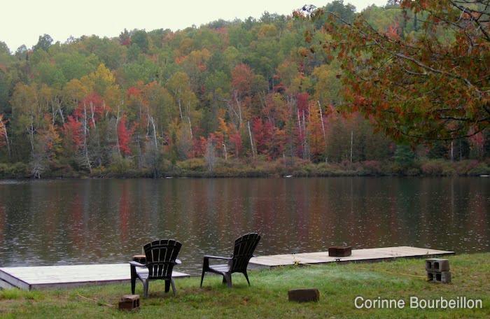 Autumn in the Laurentians (Quebec, Canada).