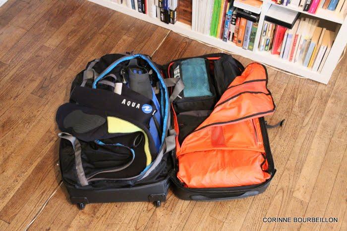 qu 39 y a t il dans mes bagages de blogueuse voyageuse plongeuse. Black Bedroom Furniture Sets. Home Design Ideas