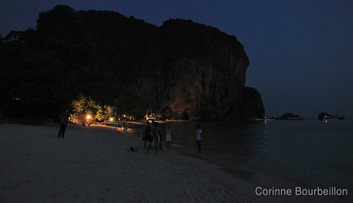 Phra Nang Beach by night. Krabi, Thaïlande, février 2011.