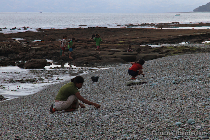 Blue Stone Beach. Flores, Indonésie. Juillet 2011.