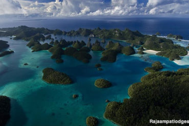 The Wayag Archipelago in Raja Ampat. West Papua, Indonesia.