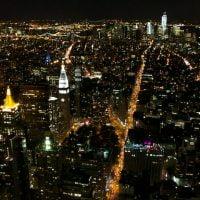 Manhattan. Vue nocturne depuis l'Empire State Building. (New York, mai 2012.)