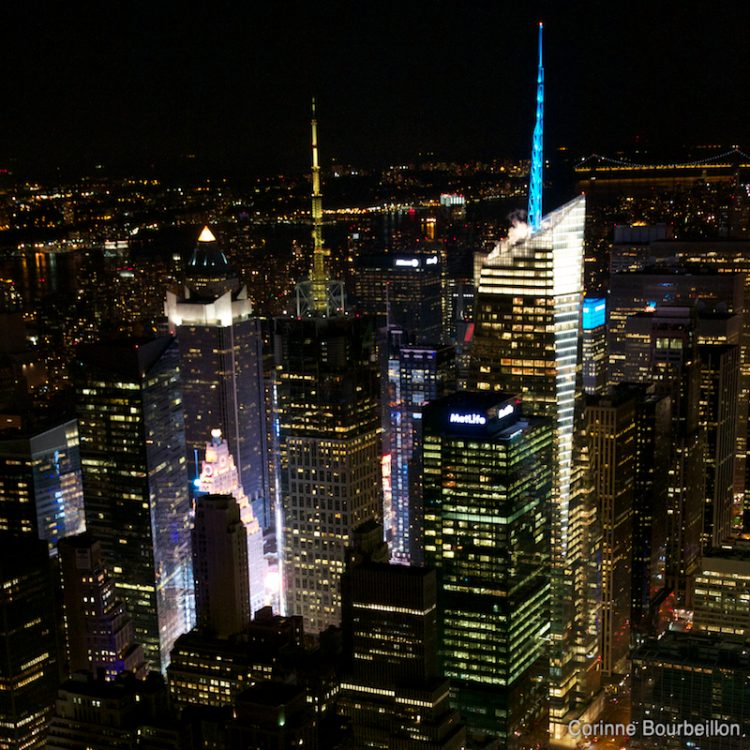 Manhattan. Vue de nuit depuis l'Empire State Building. (New York, mai 2012.)