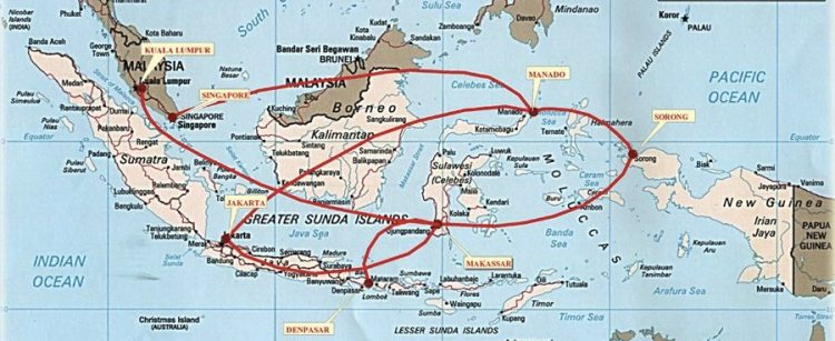 I put you above a map retrieved from the site of the resort Papua Paradise, which summarizes the possible routes to Sorong via Manado or Makassar (click to enlarge).