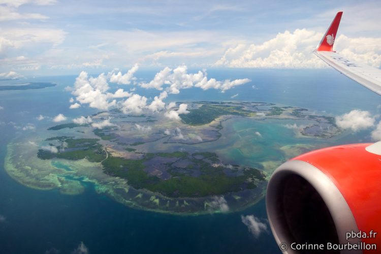 Long live the porthole to admire Papua from above! Flight Lion Air, July 2012.