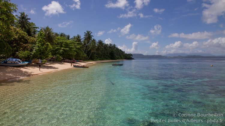 Coral Eye Beach. Bangka Island. Nord-Sulawesi, Indonésie. Mars 2013.