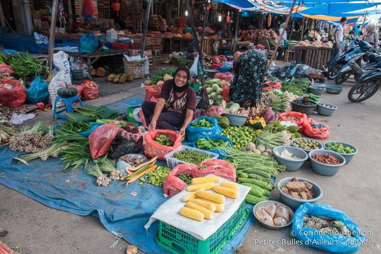 Au marché. Banda Aceh, Sumatra, Indonésie. Décembre 2014.