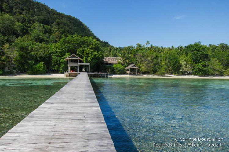 Le ponton du Sorido Bay Resort. Raja Ampat, Papouasie occidentale, Indonésie, janvier 2015.