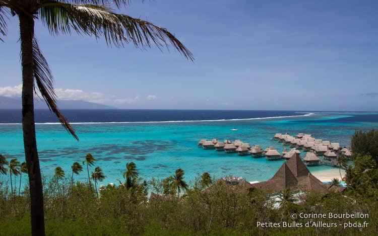 Sur le lagon, le Sofitel Ia Ora Beach Resort, l'un des hôtels les plus luxueuxde Moorea. Polynésie, octobre 2012.