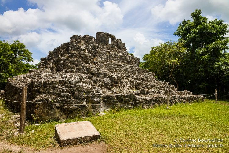 Intense heat on the small pyramid of San Gervasio. Cozumel, Quintana Roo, Mexico, July 2014.
