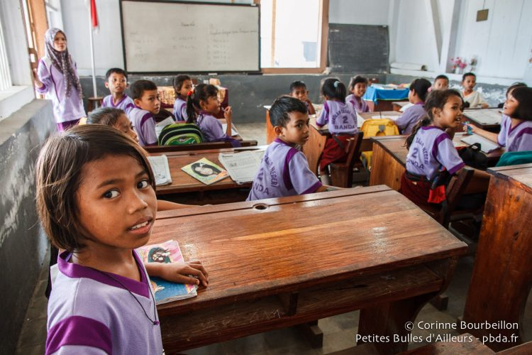 Waow divers brought school supplies for the children, which meant we were allowed to go to classrooms. Banda Neira, Maluku, Indonesia, October 2015.