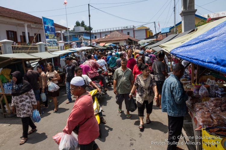 It is the crowd of great days in the streets of the port. Banda Neira, Maluku, Indonesia, October 2015.