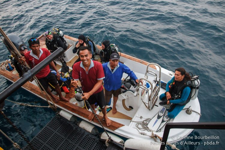 Return of the divers aboard the Waow. Maluku, Indonesia, October 2015.