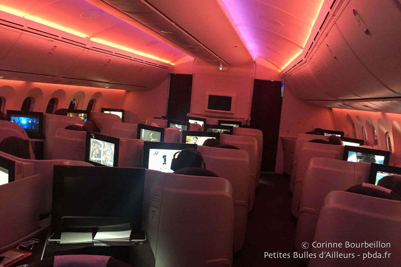 La cabine de la classe Affaires sur mon vol Qatar Airways entre Doha et Jakarta (28-29 juin 2016).