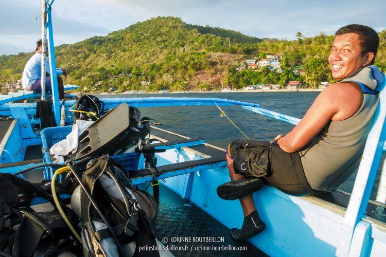 """Herbert, mon guide """"œil de lynx"""" chez Planet Dive. (Anilao, Philippines, mars 2017)"""