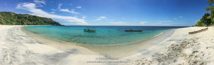La magnifique plage d'Ondoliang, où nous avons fait l'intervalle de surface. (Centre-Sulawesi, Indonésie, juillet 2017)