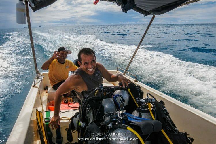 Opo garde sa bonne humeur, malgré la touriste boulet à bord... (Centre-Sulawesi, Indonésie, juillet 2017)