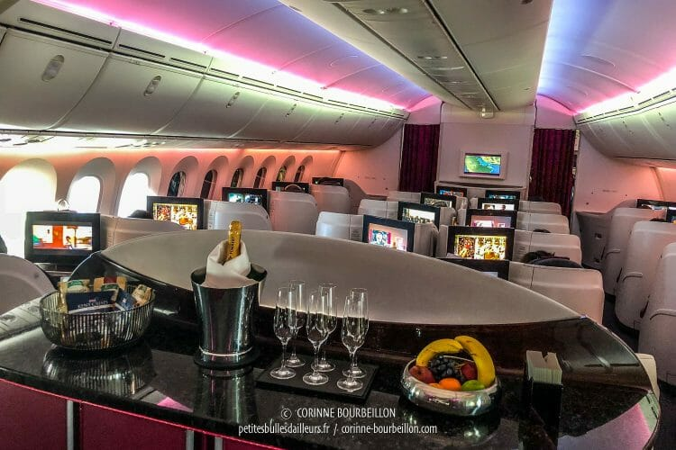 La cabine Business Class de Qatar Airways. (Doha, juillet 2018)
