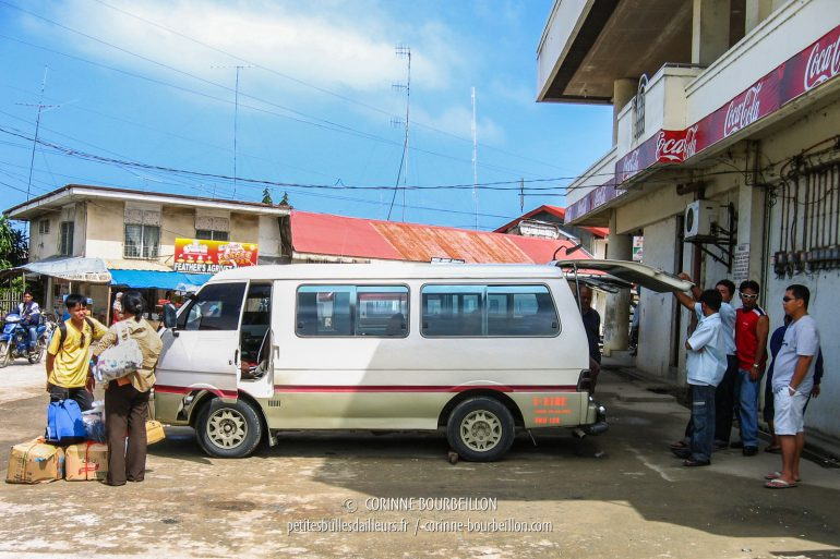 "Minibuses, the ""V-Hire"" will leave once filled. (Bohol, Visayas, Philippines, February 2008)"