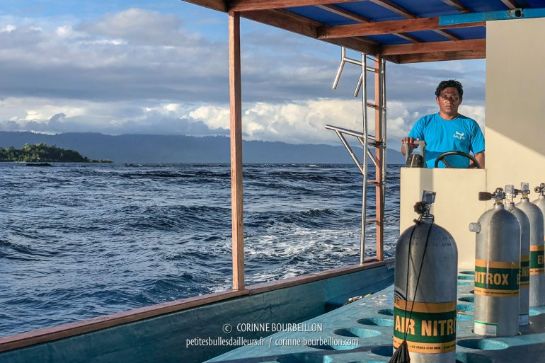 Back to Sali Kecil after a dive in the afternoon. Fortunately, the captain is familiar with the currents around the island. (Halmahera, Indonesia, July 2018)