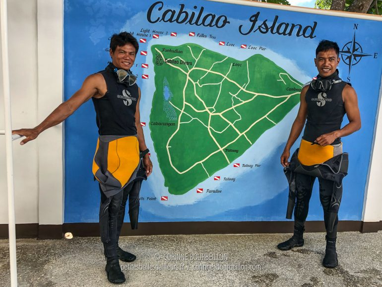 The two great Filipino guides who worked at the Cabilao Dive Center during my stay. (Philippines, February 2019)