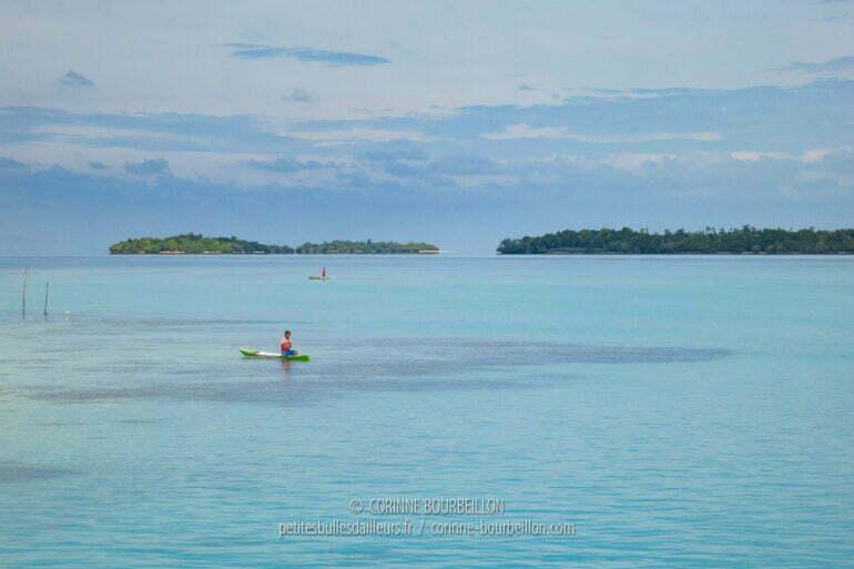 Mer d'huile et eau turquoise près de Maratua. (Bornéo, Indonésie, juillet 2013)