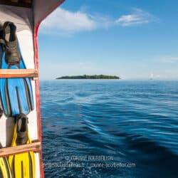 L'île de Sangalaki vue du large. (Bornéo, Indonésie, juillet 2013)